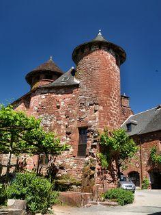 Collonges-la-Rouge  France Limousin, Beautiful Buildings, Beautiful Places, Cool Places To Visit, Places To Go, Bordeaux, Beaux Villages, Castle Ruins, Dordogne