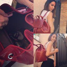 Micol Olivieri, famosa attrice della fiction I Cesaroni, indossa le borse IL Kuoio che potete personalizzare con le iniziali del vostro nome.https://marcelayz.wordpress.com/2015/10/09/il-kuoio-borsa-personalizzabile/