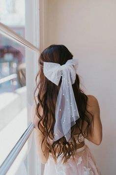34 Cutest Long Layered Haircuts Trending in 2019 - Style My Hairs Oval Face Hairstyles, Bride Hairstyles, Bob Hairstyles, Dark Red Hair, Tulle Bows, Hair Ribbons, Wedding Hair Inspiration, Grunge Hair, Bridal Hair Accessories