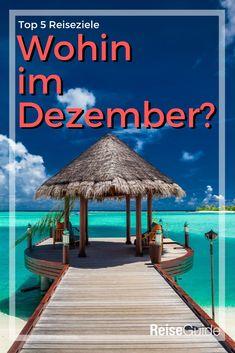 Die besten Reiseziele im Dezember. Dem Schmuddelwetter entfliehen und in einem der 5 Reiseziele in der Sonne entspannen. Badeurlaub im Dezember - Jetzt entdecken. #dezember Phuket, Patio, Outdoor Decor, Maldives, Terrace
