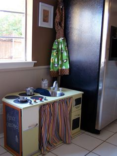 gorgeous diy play kitchen - website has lots of photos and good explanation of how it was made