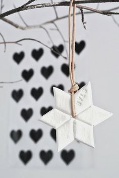 Lekker Fris: Snapshots from our home part 2 Modern Christmas Decor, Christmas Mood, Christmas Star, Christmas Fashion, Christmas And New Year, Christmas Crafts, Merry Christmas, Wrapping Ideas, Advent
