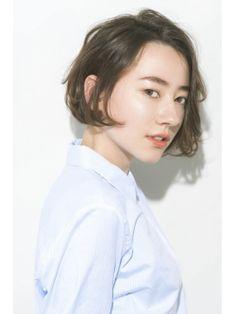 爽やかにショートボブ。大人かわいいおしゃれボブ。 無造作をテーマにしたので簡単スタイリング! | 銀座の美容室 GARDEN Tokyoのヘアスタイル | Rasysa(らしさ)