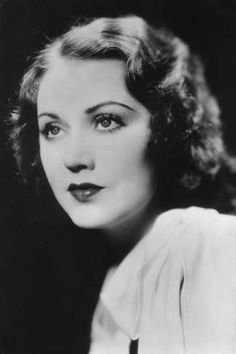 Fay Wray Canadianborn American actress century Wray is probably best known for her performance in the original King Kong Vintage Hollywood, Classic Hollywood, Hollywood Glamour, Erich Von Stroheim, Divas, King Kong 1933, Dolores Costello, Mary Astor, Fay Wray