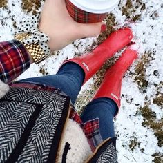 Red Hunters, red flannel, herringbone vest, cream sweater, red Starbucks cup❤️
