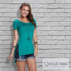 Blusa mega trend para tirar os looks casuais do comum. ❤  http://www.vinculobasic.com.br/ #vinculobasic #primavera #verao