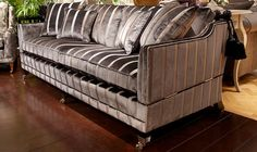Trafalgar - High Quality, Hand Crafted Leather Sofas: Darlings of Chelsea