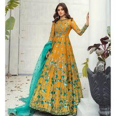 Hira Mani, Dress Neck Designs, Indian Outfits, Indian Clothes, Pakistani Dresses, Fashion Brand, Fashion Dresses, Photoshoot, Costumes