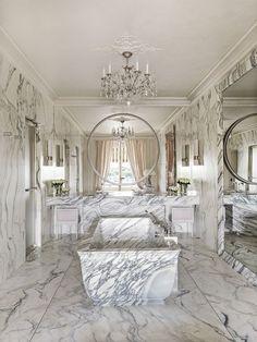 hotel bathroom 7 of the Most Luxurious Hotel Suites in Paris Modern Bathroom Design, Bathroom Interior Design, Dream Bathrooms, Small Bathroom, Paris Bathroom, Hotel Crillon, Crillon Paris, Casa Hotel, Paris Rooms