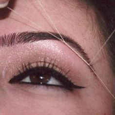 Want to Search good place for the best salon in NYC? If you want a shapely pair of brows in a five-minute painless procedure, then our eyebrow artists can do wonders. If you want Best eyebrow threading in NYC,then Shinny Threading Salon should be your decisive destination.