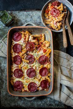 Fastfood Friday: Pizza pastaschotel - OhMyFoodness