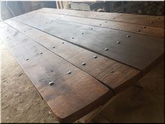 Asztal, pajtabútor - Antik bútor, egyedi natúr fa és loft designbútor, kerti fa termékek, akácfa oszlop, akác rönk, deszka, palló