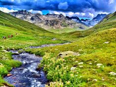 Val dal Tschüvel (Graubünden, Switzerland) Photo: Luca Manetti #trailrunning #trailburning