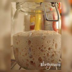 Kovász (élesztő nélkül!) | Betty hobbi konyhája Bread N Butter, Fondant, Bakery, Lime, Food And Drink, Pudding, Ice Cream, Homemade, Cooking
