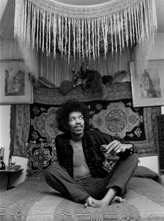 I apologise that this is the 10,000 reblog but Jimi, in that bedroom with that Piano Shawl bed.... :)