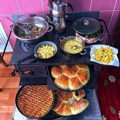 Easy Meal Prep, Easy Meals, Wood Stove Cooking, Wood Fired Oven, Stove Oven, Food Decoration, Home Food, Turkish Recipes, World Recipes