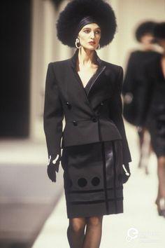 Valentino, Autumn-Winter 1989, Couture | Valentino Garavani - Europeana