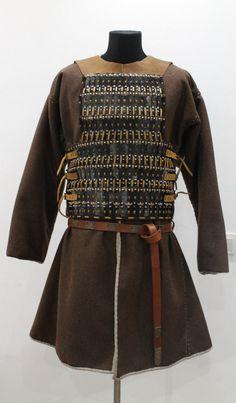 Birka lamellar armor by NornasMystery on Etsy Suit Of Armor, Body Armor, Lamellar Armor, Red Vs Blue, Swedish Fashion, Fantasy Armor, Picts, 14th Century, Warriors