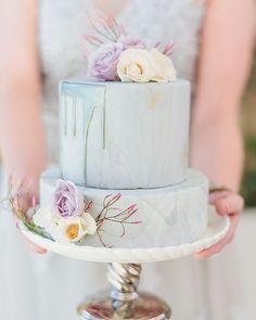 Desert Sunset Bridal Shoot in Joshua Tree - Hey Wedding Lady Pretty Cakes, Beautiful Cakes, Amazing Cakes, Copper Wedding Cake, Purple Wedding, Wedding Colors, Bohemian Cake, Enchanted Garden Wedding, Lavender Cake