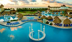 Cancun Upscale Getaway incl. Flights, Meals & Drinks