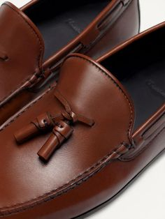 LEATHER MOCCASINS WITH TASSELS