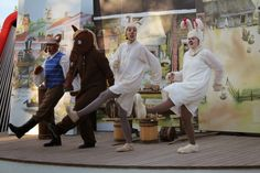 Koiramäellä esitetään kesällä 2014 päivittäin kahta eri näytelmää: Saima-possu ja Ruuneperi sekä Ruiseleipää ja heinäsavottaa. Doghill @ Särkänniemi #sarkanniemi #tampere, visit: http://www.sarkanniemi.fi