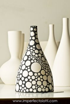 Porcelain China Mugs Product Ceramic Clay, Ceramic Painting, Ceramic Vase, Ceramic Pottery, Pottery Art, Pottery Painting Designs, Pottery Designs, Glass Bottle Crafts, Bottle Art