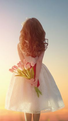 Pure Beautiful Girl Back With Flower Bouquet #iPhone #6 #wallpaper