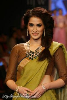 Sagarika Ghatge for Ganjam at IIJW 2014