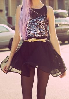 love her outfit.  and her pink hair.