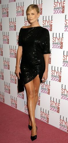Pin for Later: How Charlize Theron Has Schooled Us All in Sexiness She wore a sparkly minidress to the Elle Style Awards in February Charlize Theron Style, Charlize Theron Photos, Elle Style Awards, Atomic Blonde, Beautiful Celebrities, Mannequin, Sexy Legs, Fashion News, Celebrity Style