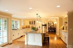 i would LOVE to have this kitchen... lol i think half of our little bitty house would fit in just this kitchen