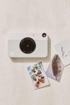 Kodak PRINTOMATIC Instant Digital Camera - Print instantly on the go.
