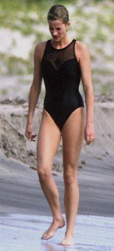 Diana Princess of Wales having a stroll on       the beach