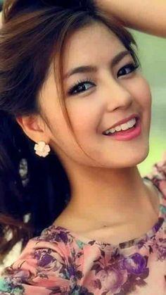 Beautiful Girl Indian, Beautiful Girl Image, Gorgeous Women, Most Beautiful Faces, Beautiful Smile, Cute Beauty, Woman Face, Pretty Face, Indian Beauty