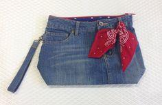 履かなくなったデニムジーンズをクラッチバッグにリメイクしました✂星柄の裏地で元気に☆ Remade old Denim jeans to a crutch bag. Gave cheerful impression showing lining of star patterns. #remakeofpants #sewing #handmade #JAGUAR