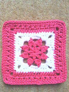 Felicia's Flower ~ free pattern ✿⊱╮Teresa Restegui http://www.pinterest.com/teretegui/✿⊱╮