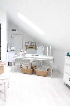 Attic - Turned into home office: theofficestylist.com/the-attic-tunred-home-office-makeover
