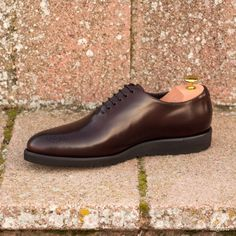 Custom Made Whole Cut Dress Shoes in Burgundy Polished Calf and Painted Calf Leather Fresh Shoes, Hot Shoes, Men's Shoes, Custom Design Shoes, Modern Gentleman, Dress Cuts, Fashion Outlet, Calf Leather, Designer Shoes
