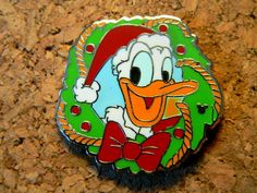Christmas Wreath Holiday Hotel Disney Pin 2006 - Donald Duck Hidden Mickey