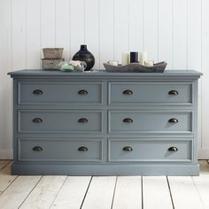 Commode double bois gris NEWPORT convert to double sinks with marble top. Blue Chest Of Drawers, Chest Of Drawers Design, Chest Of Drawers Makeover, Bedroom Chest Of Drawers, Blue Chests, Set Of Drawers, Plywood Furniture, Gray Painted Furniture, Colorful Furniture