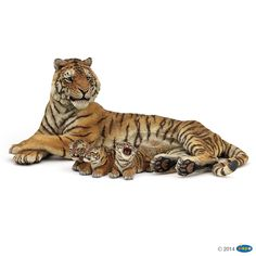 Figurine Tigresse couchee allaitant - Figurines LA VIE SAUVAGE