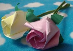 An easy flower origami - to offer or to have fun while creating beautiful things! - Fashion And Hairstyle Easy Origami Flower, Origami Flowers, Paper Flowers Diy, Table Origami, Diy Fleur, Have Fun, Napkins, Duration, Create