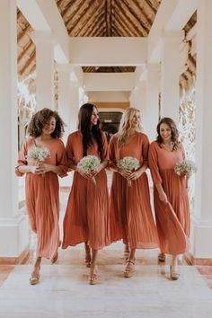 Modest Formal Dresses, Modest Maxi Dress, Fall Dresses, Formal Outfits, Formal Wear, Evening Dresses, Formal Dance, Formal Gowns, Women's Dresses