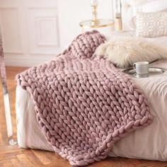 Wool Hugs Dusty Pink Chunky Knit Blanket. Pink throw blanket.