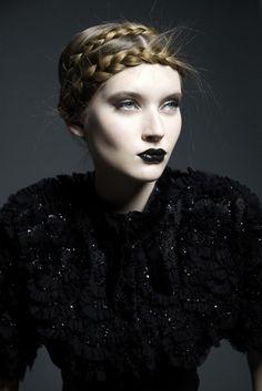 Dream gothic!    abbyll:  Einat Dan make up artist