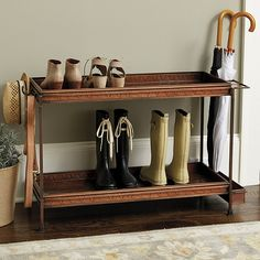 Ballard Double Boot Trays mit Rahmen Source by The post Ballard Double Boot Trays with Frame appeare Shoe Tray, Shoe Bench, Bench With Shoe Storage, Small Storage, Entryway Shoe Storage, Boot Storage, Entryway Bench, Ideas Hogar, Ballard Designs