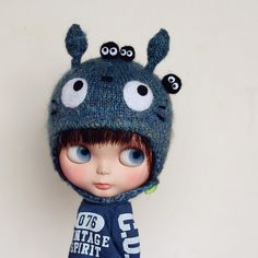 Totoro hat with soot sprites on Blythe doll. Too cute! <3