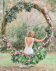 ❤ @WeddingForward // BEST OF 2016 // Double tap if you love this floral swing or TAG someone who would like it for their wedding ... . . Florals by @designerdana.lee & @charis_events, Dress from @jinzabridal, Photo by @jeremychouphotography, via @strictlyweddings . . #weddingforward #wedding #bride #bridetobe #weddingday #свадьба #pink #weddingphotography #goodmorning #instaflowers #weddinginspiration #instawedding #weddingparty #weddingideas #weddingplanning #weddingphoto #weddingtime…