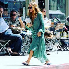 19/06/2006 - MARY-KATE GOING TO STARBUCKS  Image from: olsensobsessive.com #marykateolsen #marykateandashley #marykate #ashley #ashleyolsen #olsens #olsenstyle #olsentwins #olsentwins #olsensisters #marykateandashleyolsen #mary #ash #theolsentwins #ofotd #fashion #fashionpost #fashiondiaries #lookoftheday #fashiongram #beauty #beautiful #style #clothes #celebrity #therow #elizabethandjames #olsensobsessive #twins http://tipsrazzi.com/ipost/1523857424112910730/?code=BUl1EDkl4GK